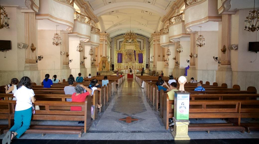 세부 메트로폴리탄 성당 을 보여주는 실내 전경, 종교적 요소 과 문화유산 건축