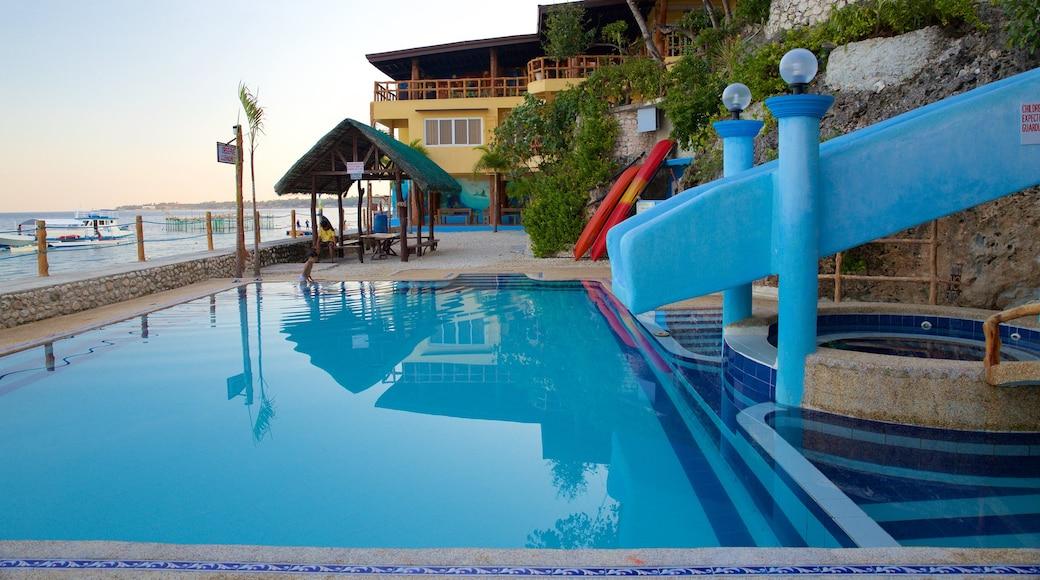 Spiaggia di Dalaguete caratteristiche di tramonto e piscina