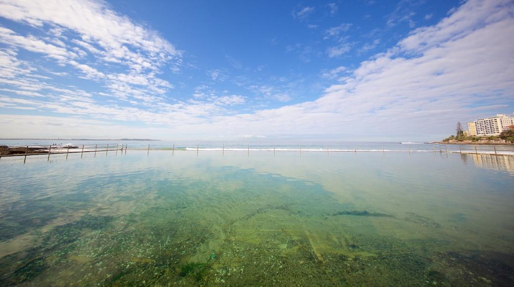 Cronulla Beach which includes a pool