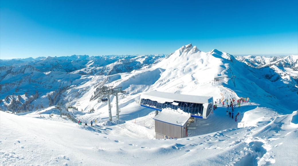 Skigebiet Damüls Mellau Faschina welches beinhaltet Berge und Schnee