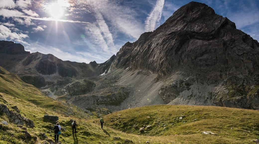 Val-d\'Isère montrant montagnes