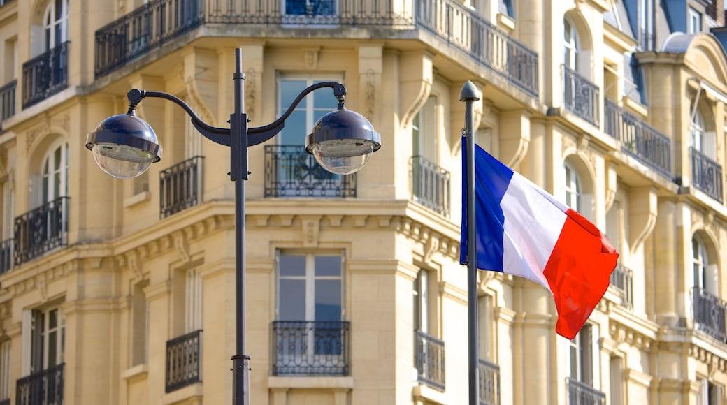 15th Arrondissement showing heritage elements