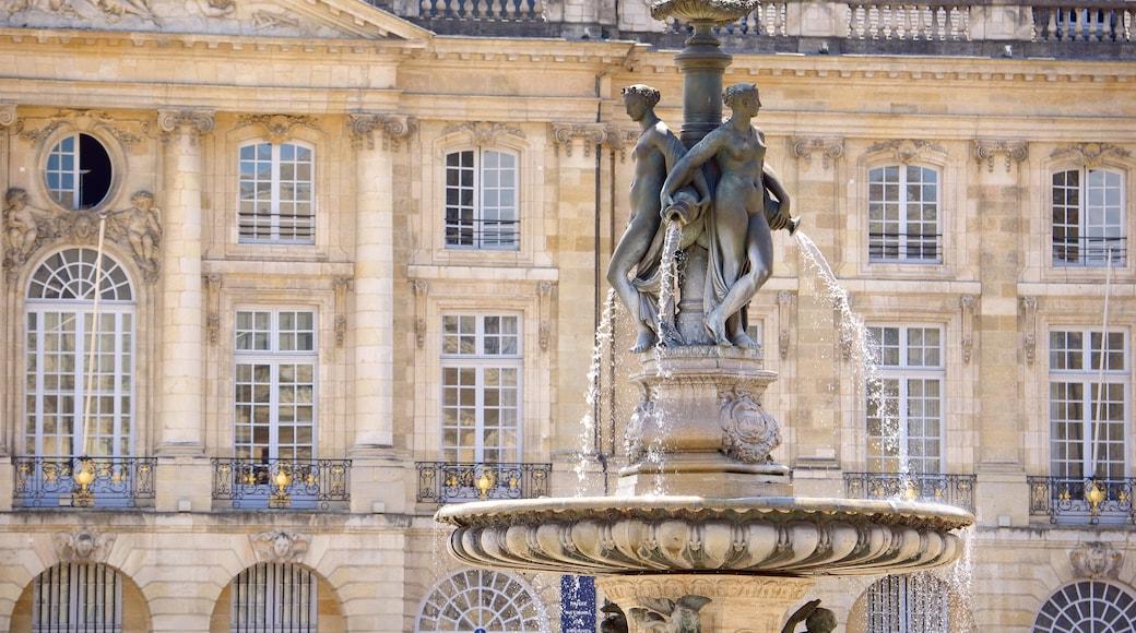 Place de la Bourse che include architettura d\'epoca e fontana