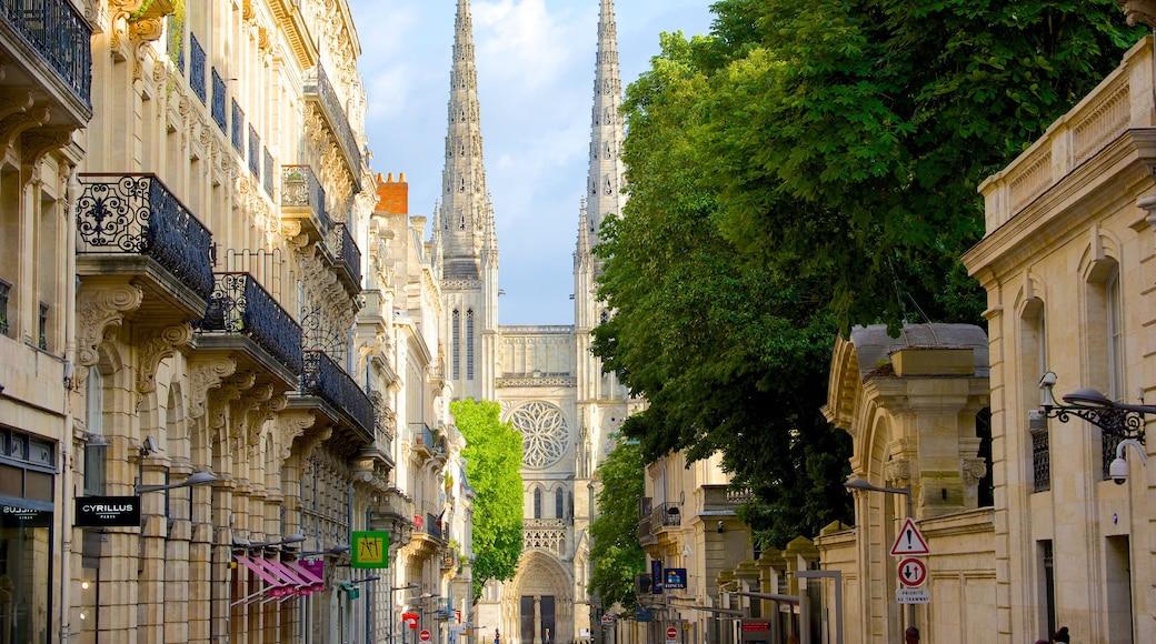 Cathédrale Saint-André montrant patrimoine architectural