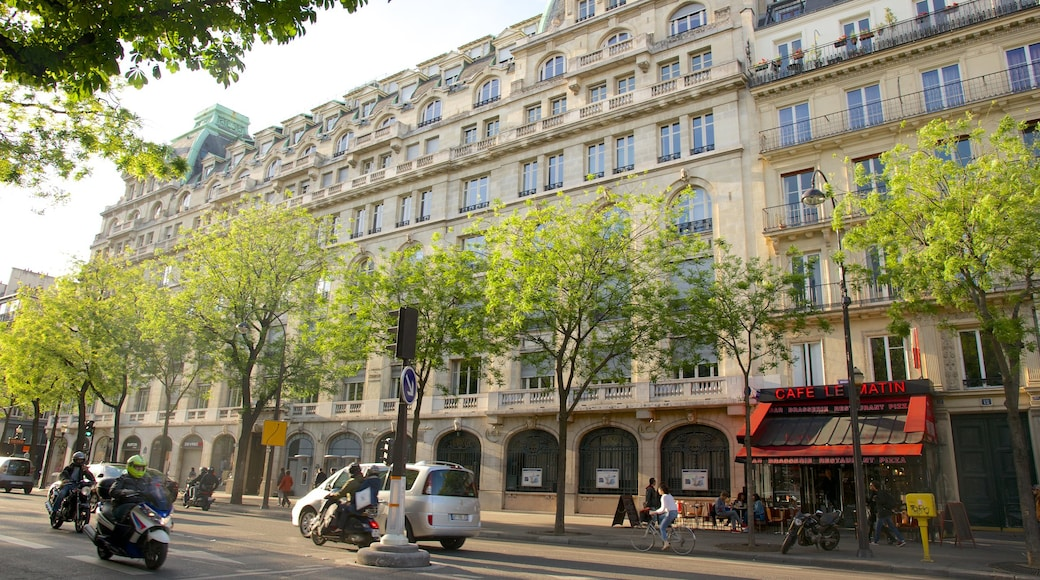 Grands Boulevards featuring a city and heritage elements