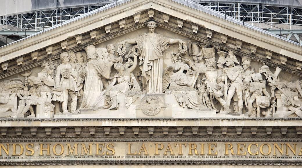 Quartier Latin - Panthéon montrant signalisation, mémorial et patrimoine architectural