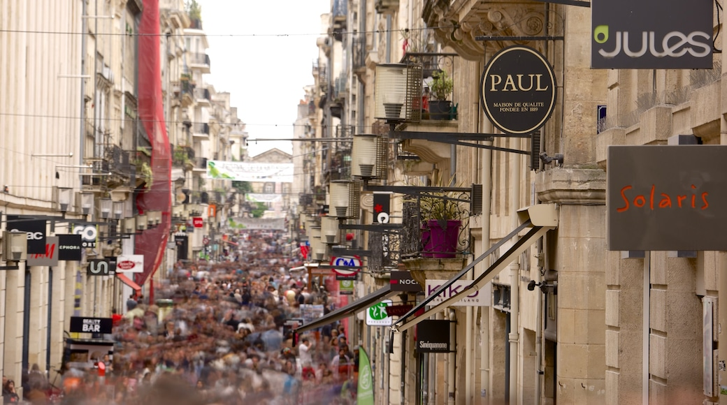 Bordeaux which includes a city and street scenes