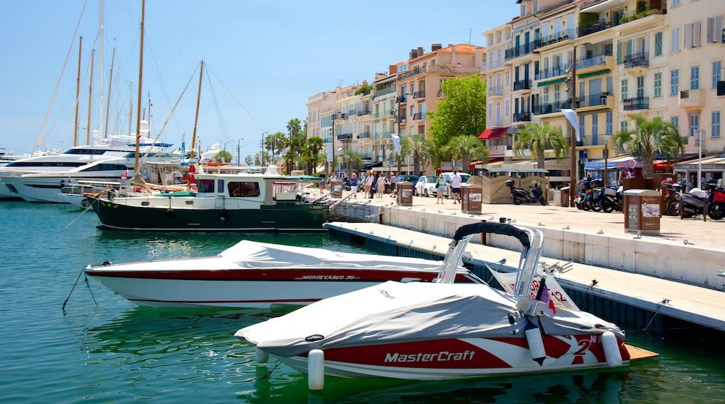 Hafen von Cannes das einen Marina und Bucht oder Hafen