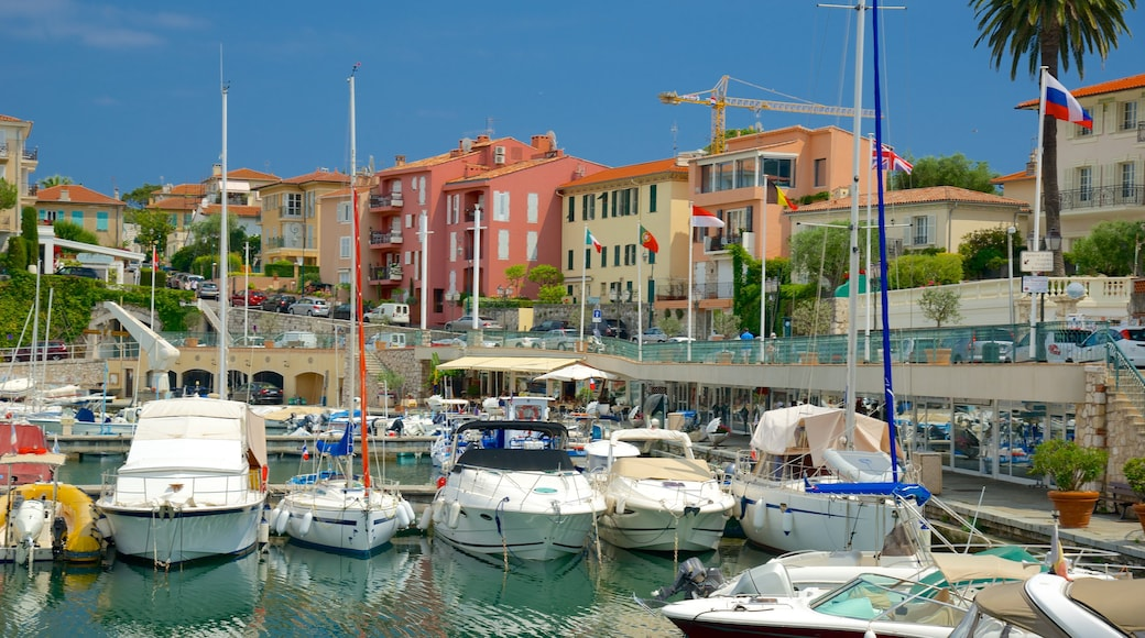 Saint-Jean-Cap-Ferrat featuring rannikkokaupunki ja venesatama
