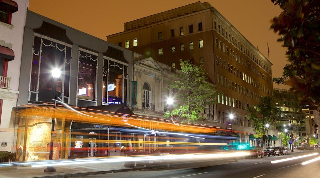 Centro de Washington D.C. mostrando una ciudad, escenas cotidianas y escenas nocturnas
