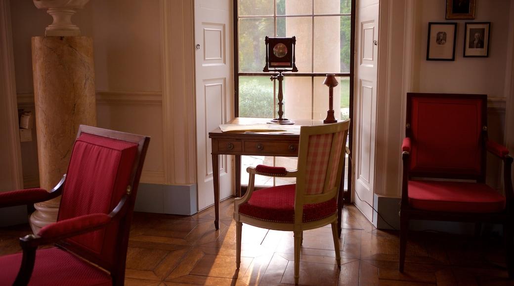 Monticello showing a memorial and interior views