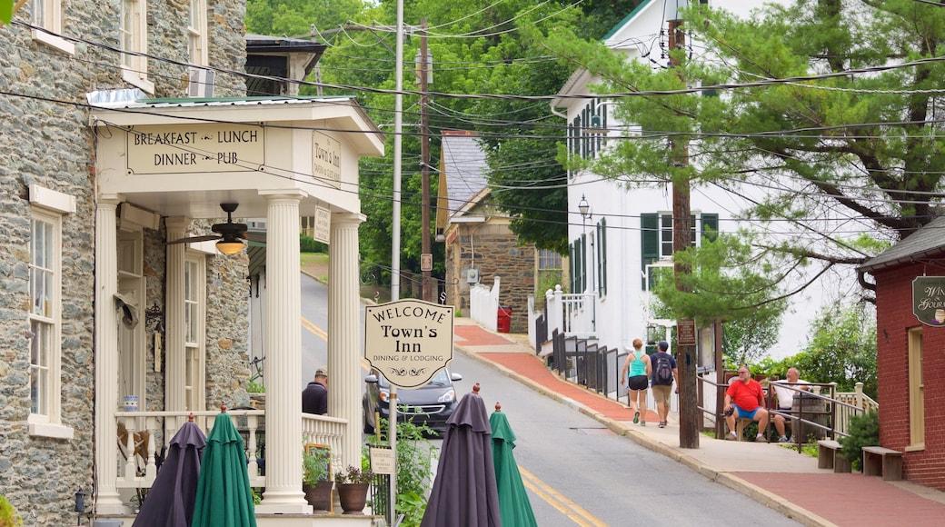 哈珀斯費里國家歷史公園 设有 傳統元素, 街道景色 和 酒吧