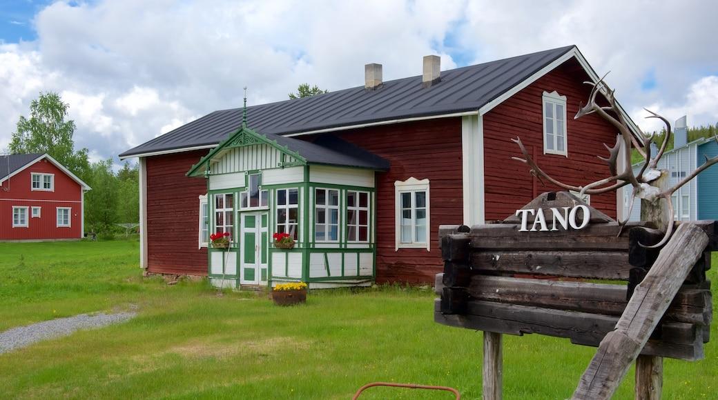 Äkäslompolo featuring rauhalliset maisemat, pieni kaupunki tai kylä ja talo