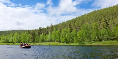 Ivalo showing rafting, tranquil scenes and a river or creek