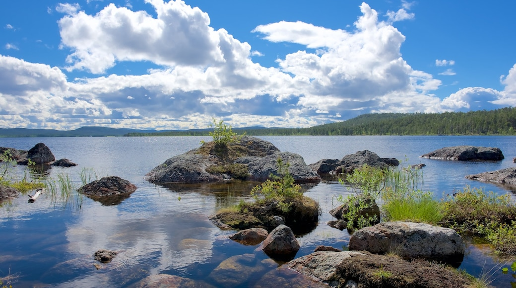 Inari which includes a lake or waterhole and tranquil scenes