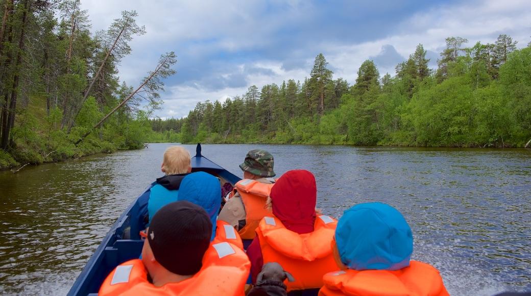 Lemmenjoen kansallispuisto johon kuuluu joki tai puro, kajakkimelonta tai melonta ja rauhalliset maisemat