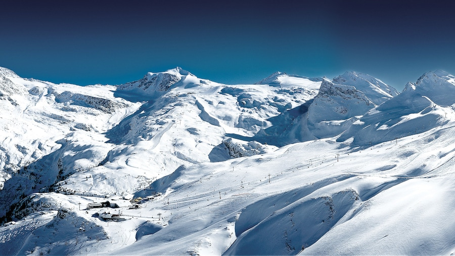 Hintertux Glacier Ski Resort featuring snow and mountains