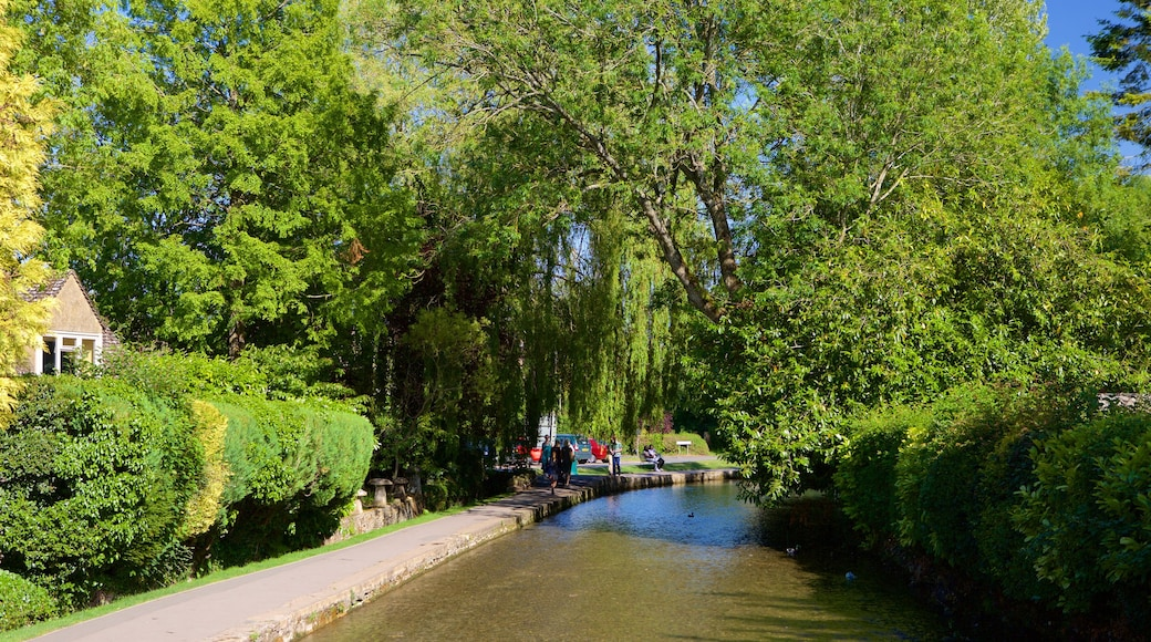 Bourton-on-Water featuring a garden and a river or creek
