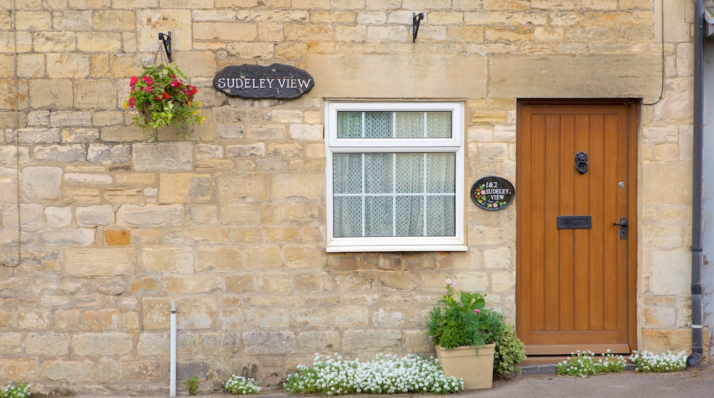 Winchcombe which includes heritage elements and signage