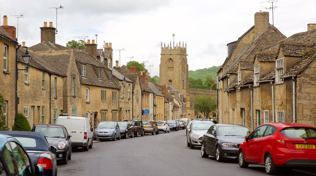 Winchcombe featuring heritage elements, street scenes and a small town or village