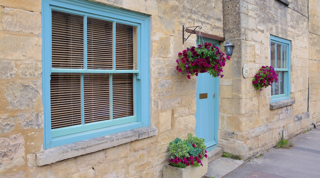 Winchcombe featuring flowers and heritage elements