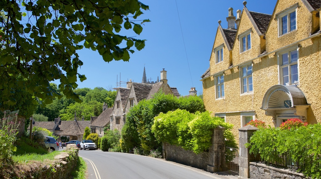 Castle Combe featuring street scenes, a small town or village and heritage elements