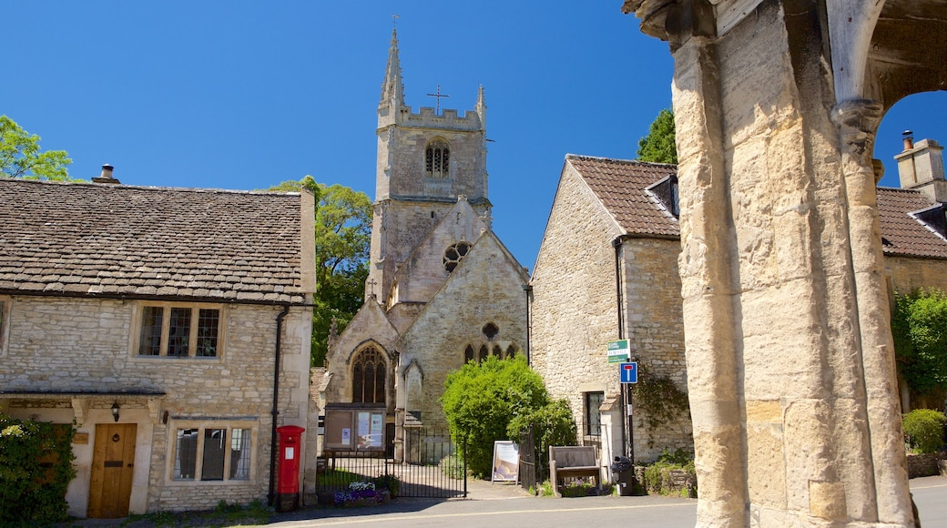 Castle Combe featuring heritage elements, a small town or village and a church or cathedral