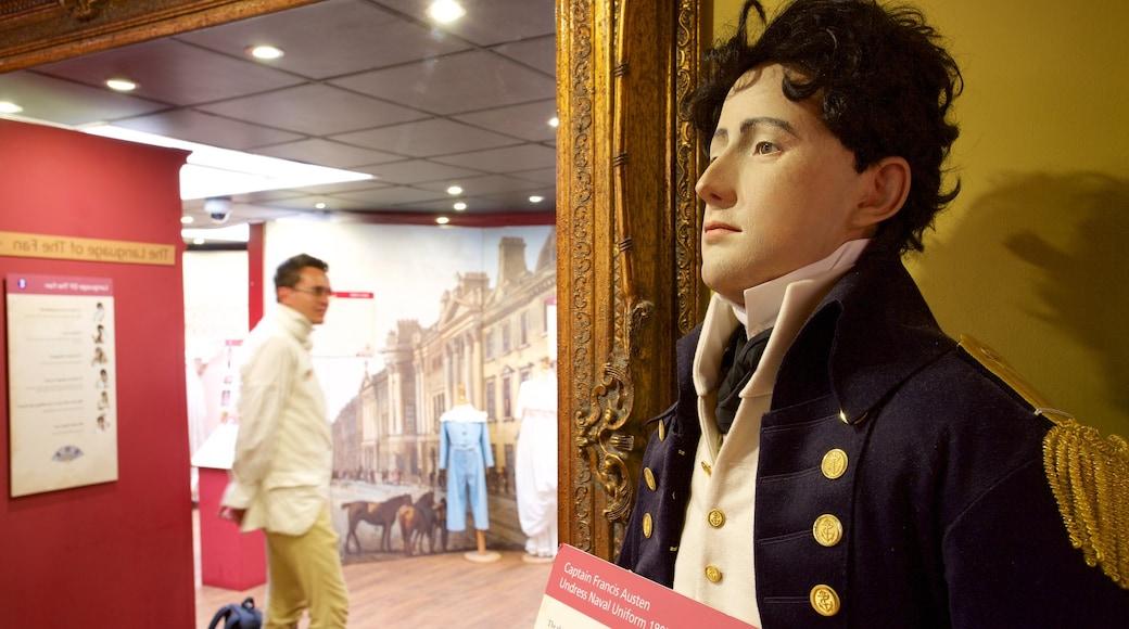 Jane Austen Centre welches beinhaltet Innenansichten sowie einzelner Mann