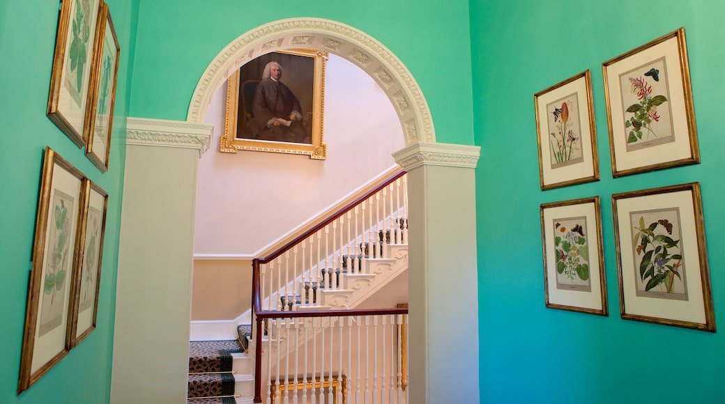 No. 1 Royal Crescent featuring heritage elements, interior views and a castle
