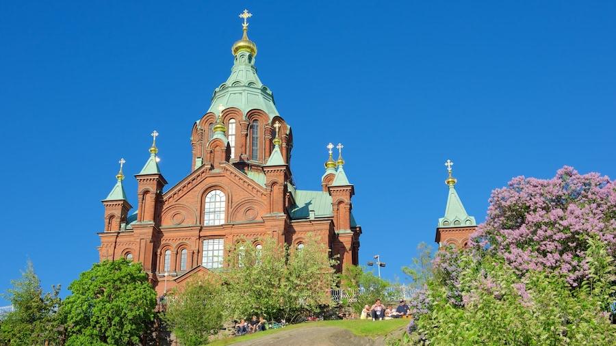 Suomi johon kuuluu kirkko tai katedraali ja vanha arkkitehtuuri