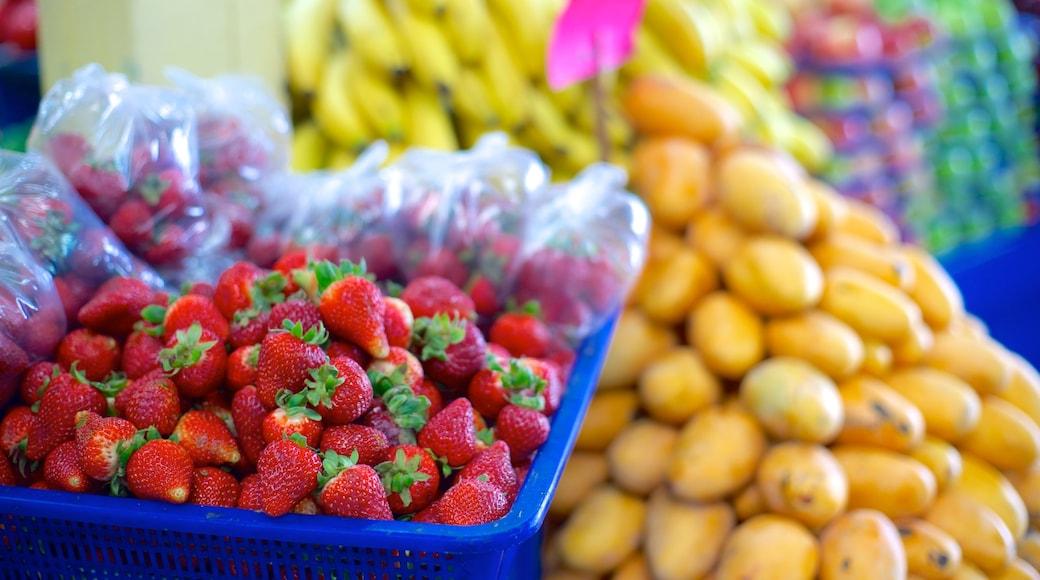 Mercado municipal José María Pino Suárez mostrando mercados y comida