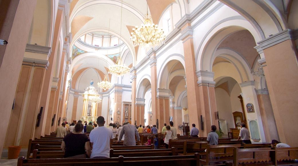 Catedral de Veracruz que incluye elementos religiosos, una iglesia o catedral y patrimonio de arquitectura