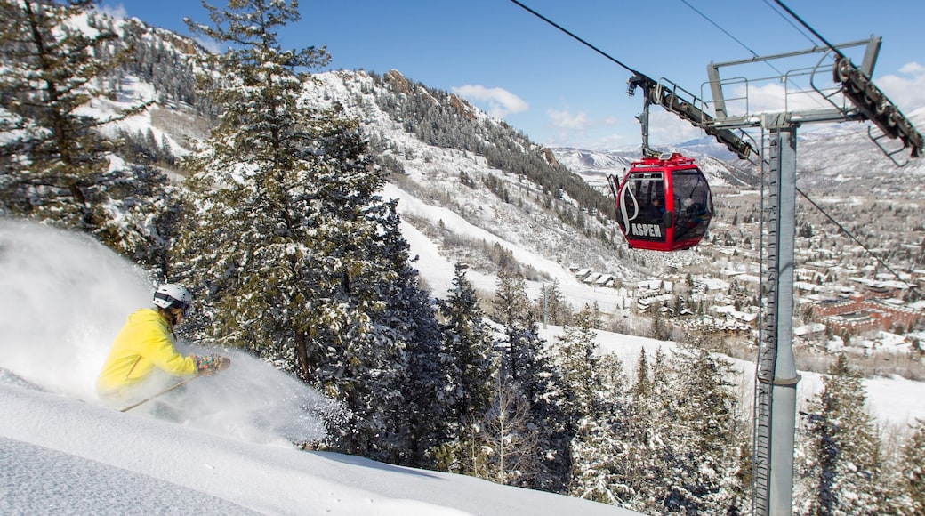 Snowmass which includes snow, snow skiing and a gondola