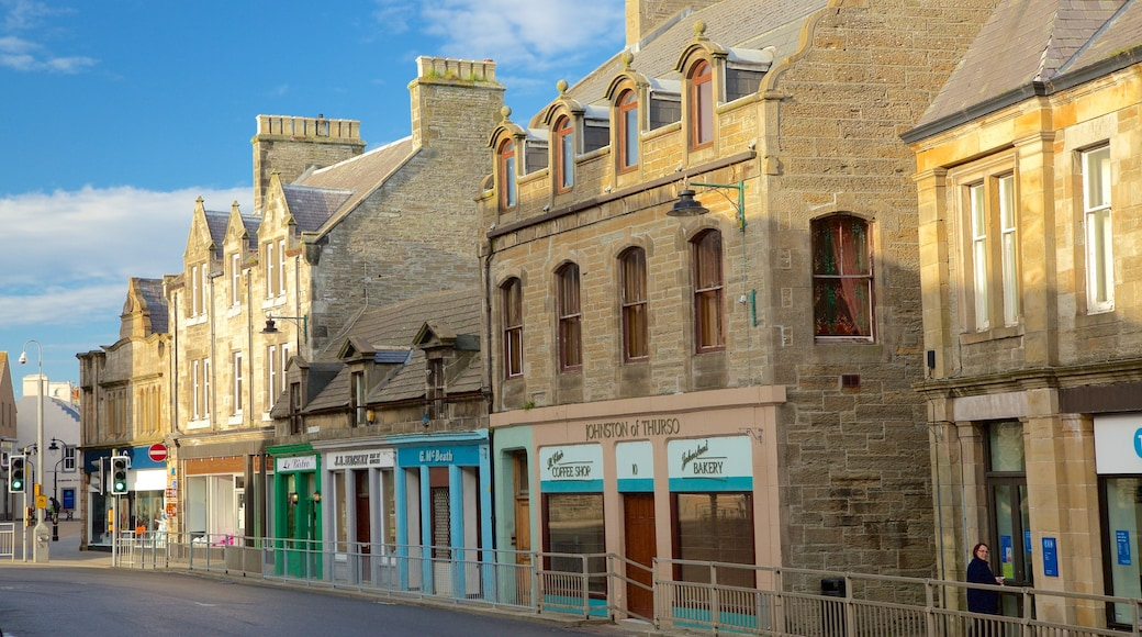 Thurso which includes street scenes and heritage architecture