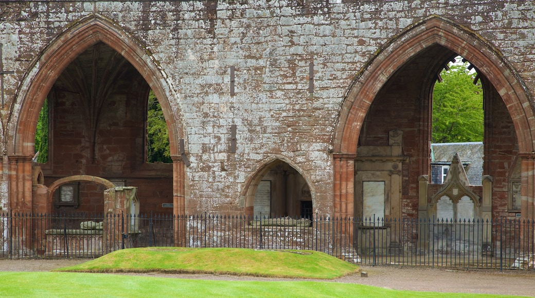 Fortrose Cathedral featuring heritage elements and heritage architecture