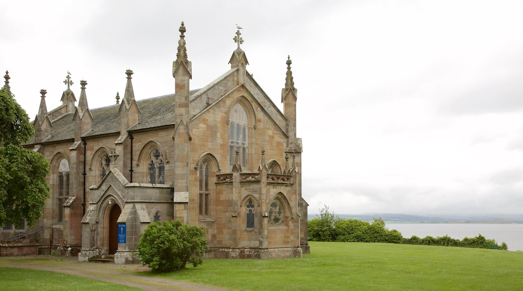 Fortrose which includes general coastal views, heritage elements and a church or cathedral