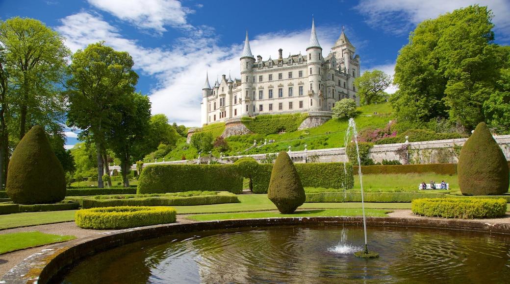 Castelo de Dunrobin mostrando uma fonte, um pequeno castelo ou palácio e arquitetura de patrimônio