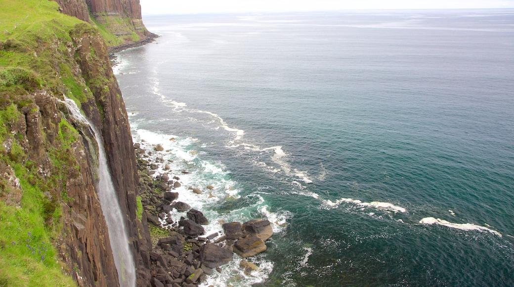 Kilt Rock featuring rocky coastline