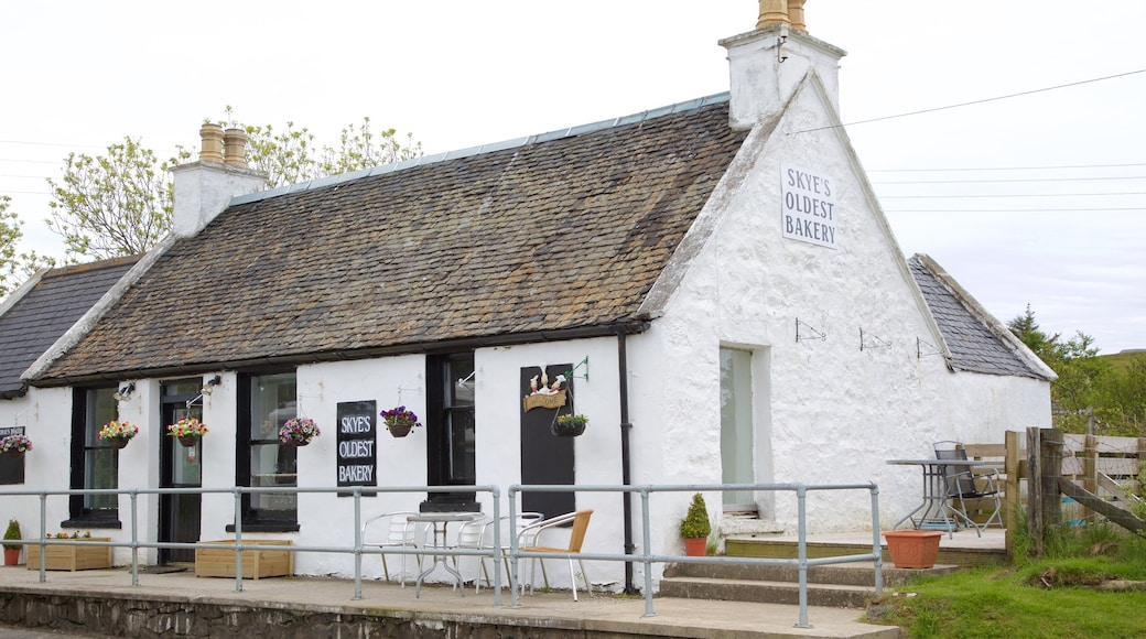 Dunvegan which includes heritage elements