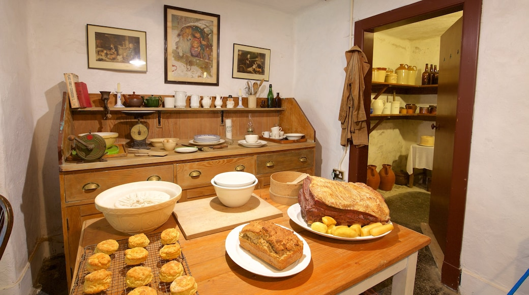 Duart Castle showing interior views, a house and food