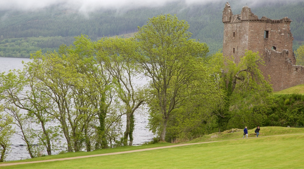 Urquhart Castle which includes heritage elements, a castle and a ruin
