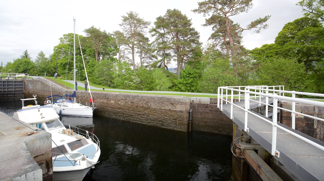 Neptune\'s Staircase featuring boating and a bridge