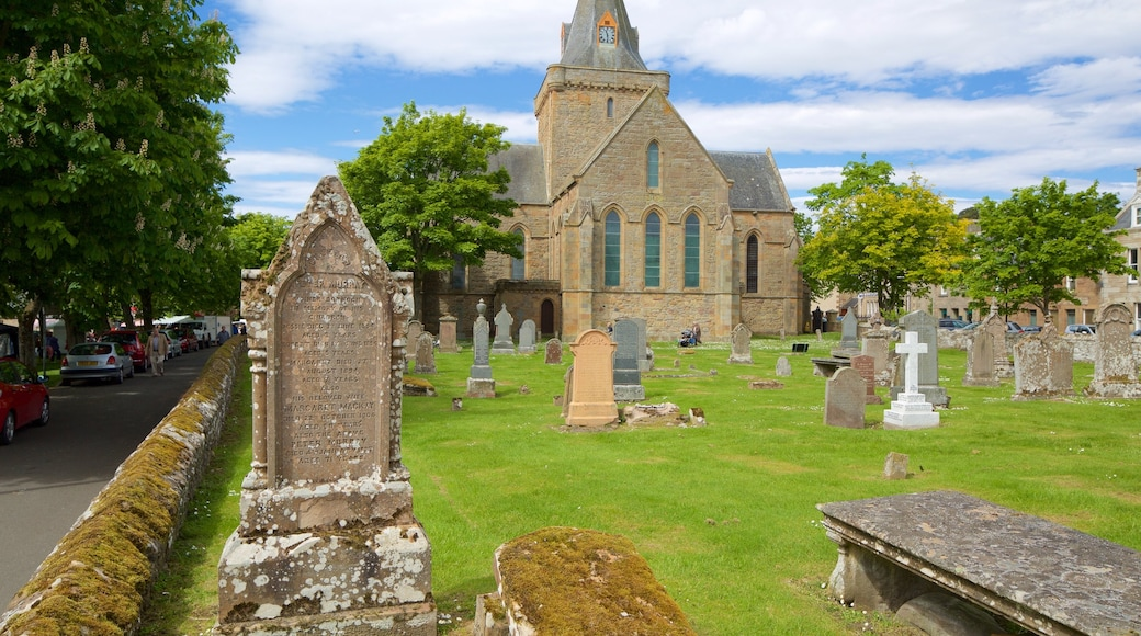 Dornoch Cathedral showing a cemetery, heritage elements and heritage architecture