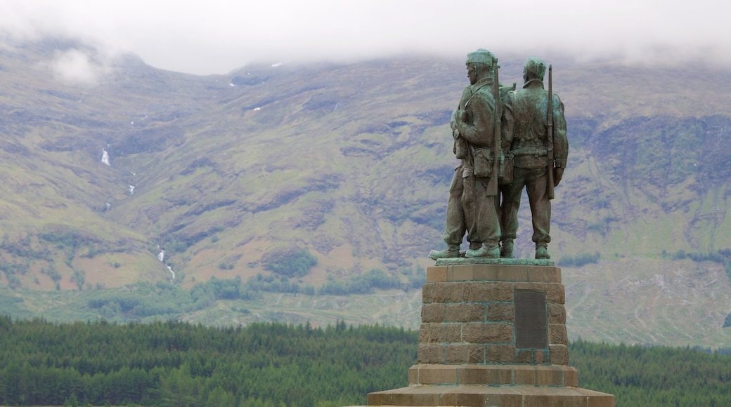 Commando Memorial showing a monument, a statue or sculpture and heritage elements
