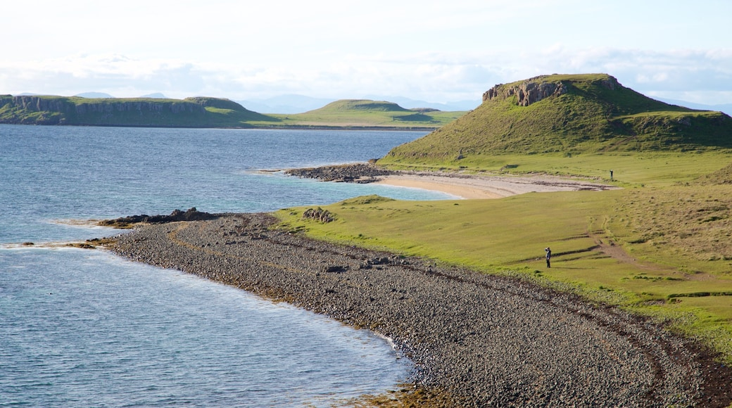 Isle of Skye which includes a pebble beach and tranquil scenes