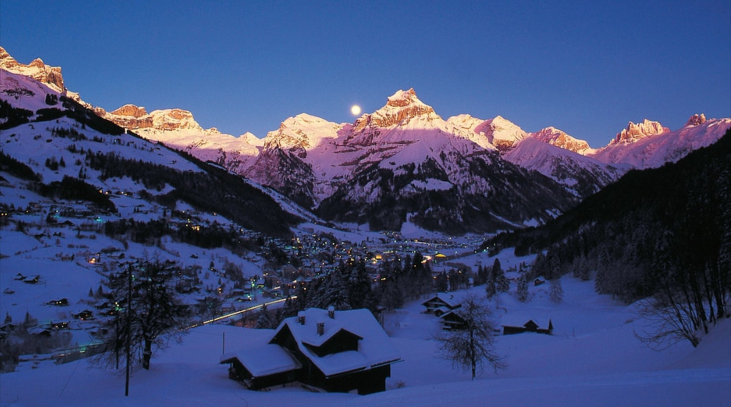 Engelberg showing a small town or village, a house and a sunset