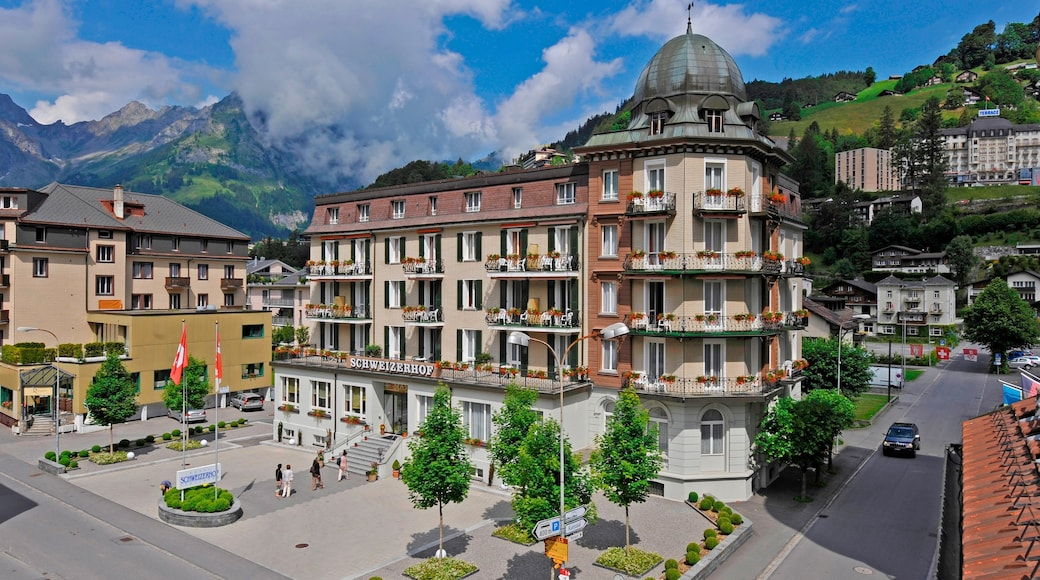 Engelberg featuring a small town or village and a square or plaza