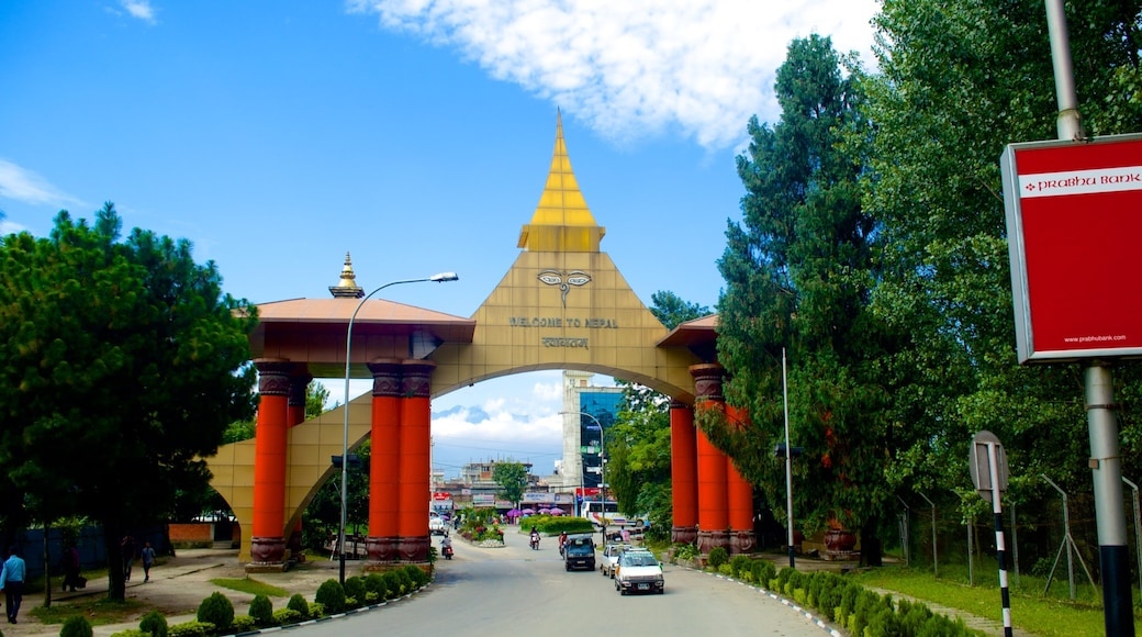 Nepal featuring street scenes