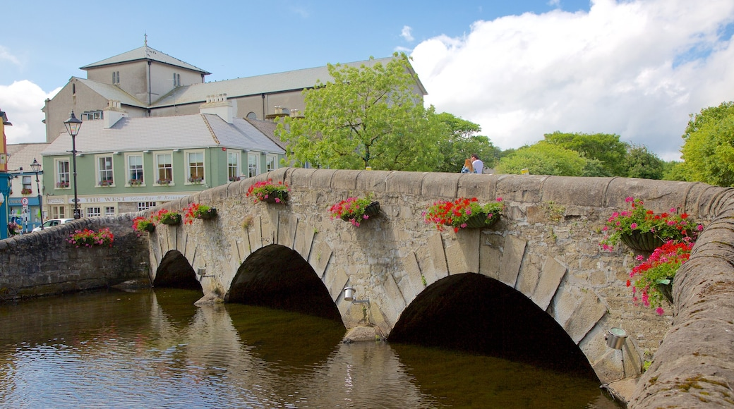 Westport showing heritage elements, a river or creek and a bridge