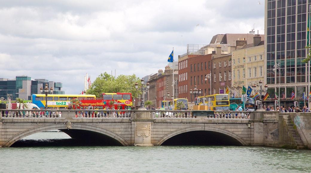 O\'Connell Bridge which includes a bridge, a city and a river or creek